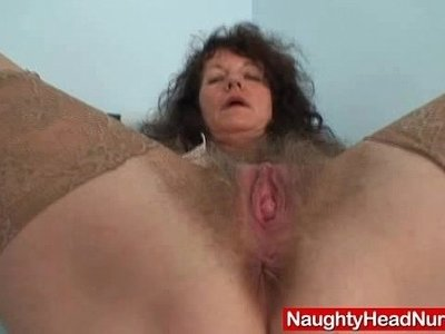 aged  amateur  hairy  mommy