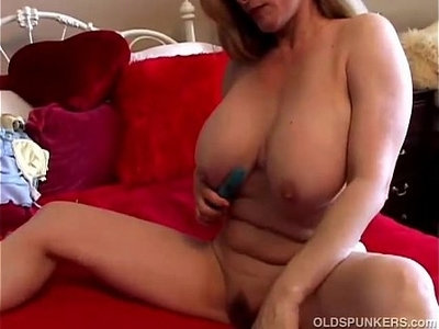 amateur   beautiful   big tits   mature